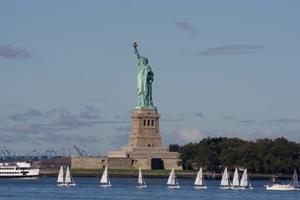 Символ Америки - статуя свободы